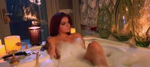 ariel-winter-bath