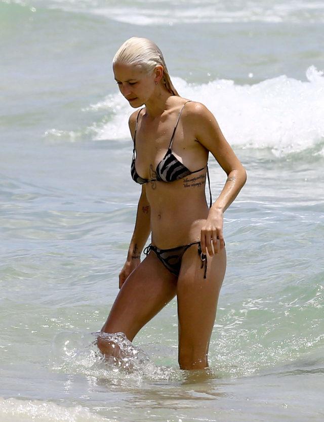 Pokemon Go Deaths >> Lauren Hastings Shows off Bikini Body In Miami   211487   Photos   The Blemish