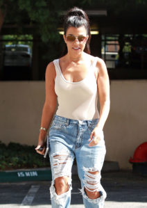 """52144370 Kourtney Kardashian is seen taking her son, Mason, to an art class in Calabasas, California on August 9, 2016. Kourtney recently said in an interview, """"I don't want the show to end, but I sometimes think I would be so happy if it did, and I could just move away from it all."""" FameFlynet, Inc - Beverly Hills, CA, USA - +1 (310) 505-9876"""