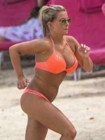 52138813 Former Miss Great Britain Zara Holland is spotted on the beach in Barbados on August 2, 2016. The former Miss Great Britain lost her title after appearing in a popular reality dating show earlier this summer. FameFlynet, Inc - Beverly Hills, CA, USA - +1 (310) 505-9876 RESTRICTIONS APPLY: USA/CHINA ONLY