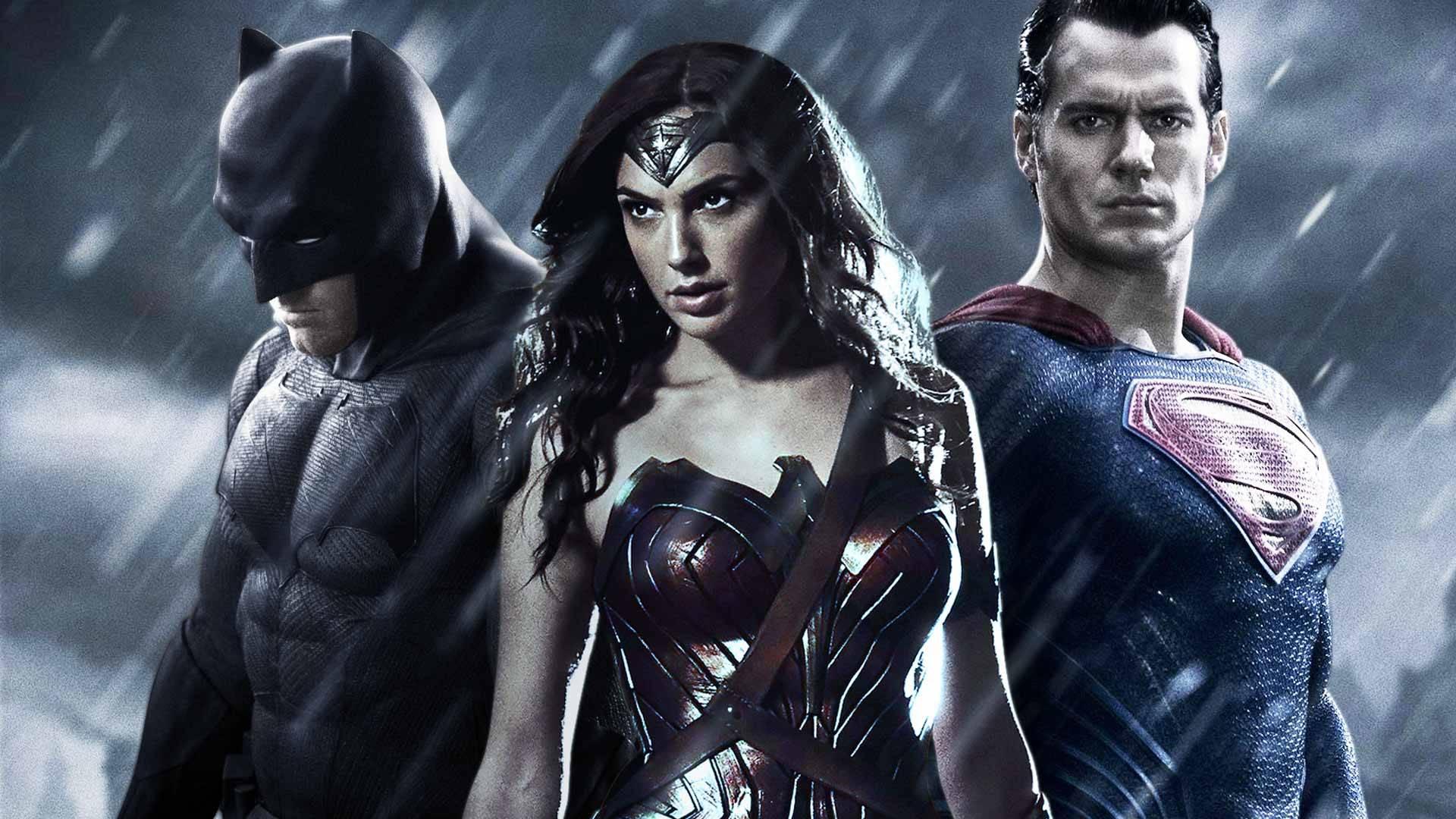 batman vs superman dawn of justice producer says rotten tomatoes
