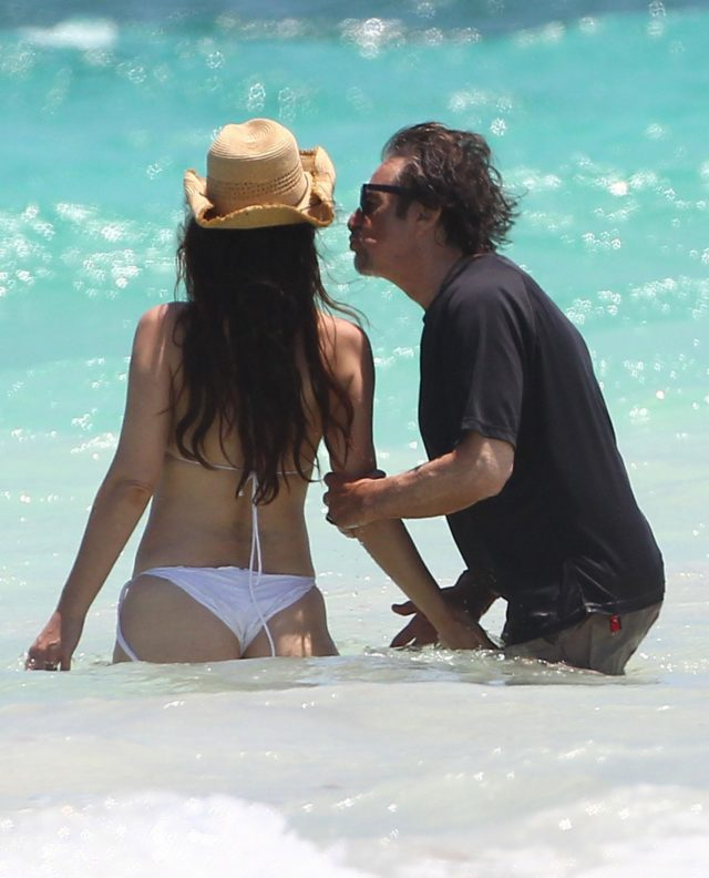 Al Pacino Packs & Lucila Sola Pack On The PDA In Cancun | 219482 ... Al Pacino