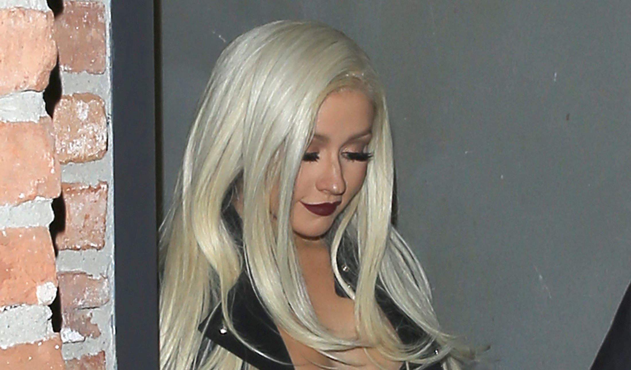 Christina Aguilera's Cleavage Makes Its Return | The Blemish
