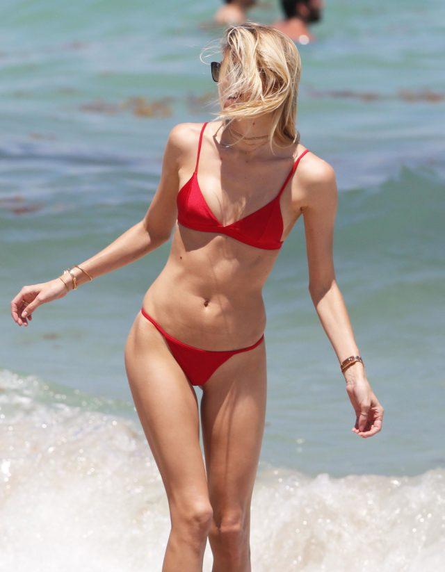 devon windsor shows off her bikini body in miami
