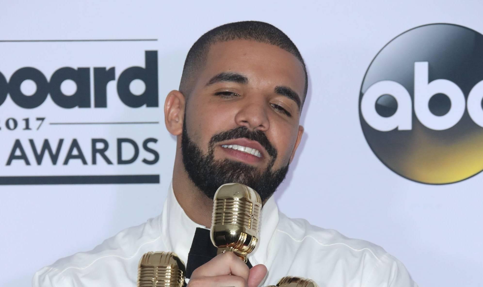 Vanessa Hudgens Looks Incredible, Drake Says at BBMAs!