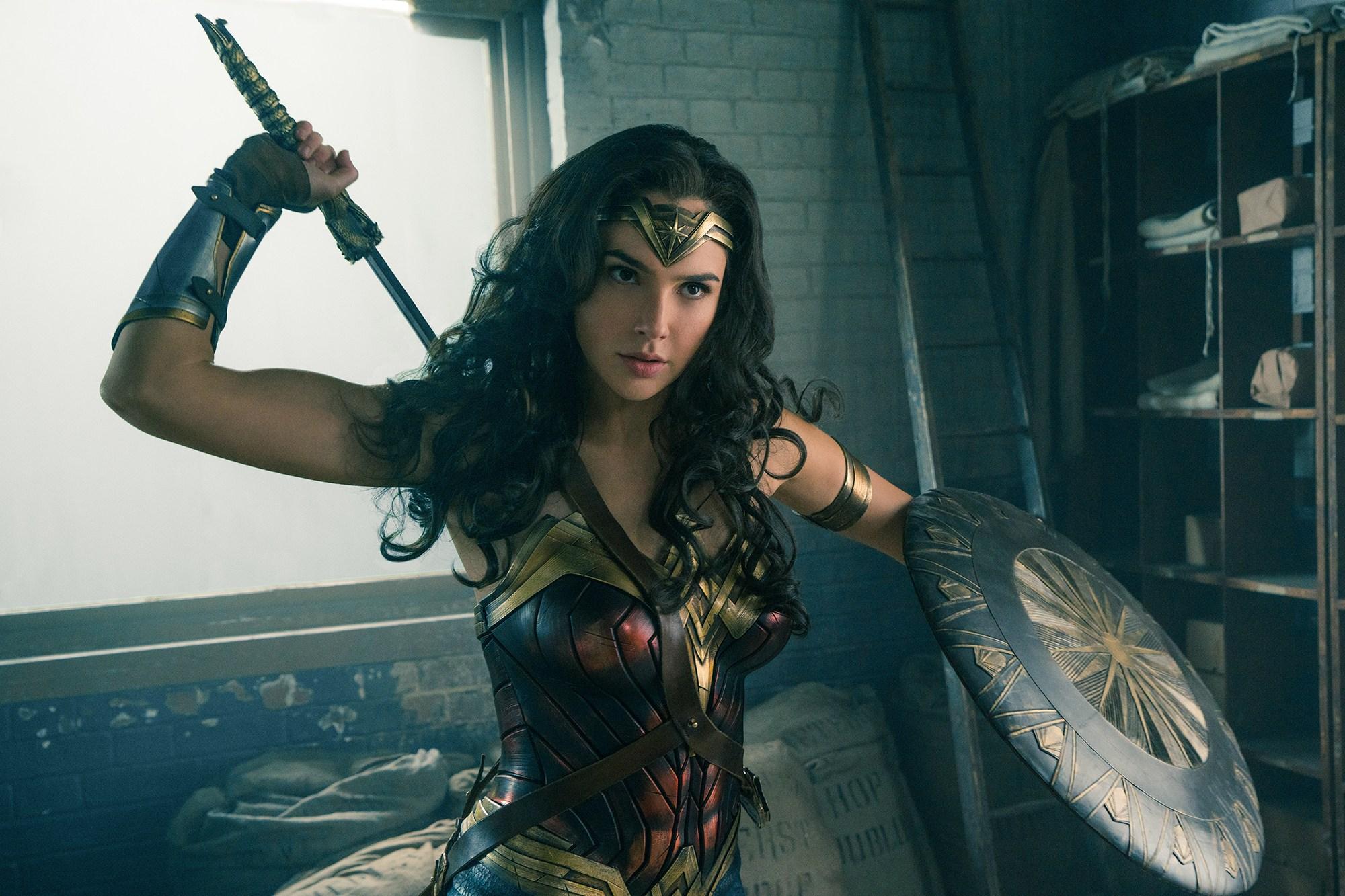 Wonder Woman lassoes true in fight against evil