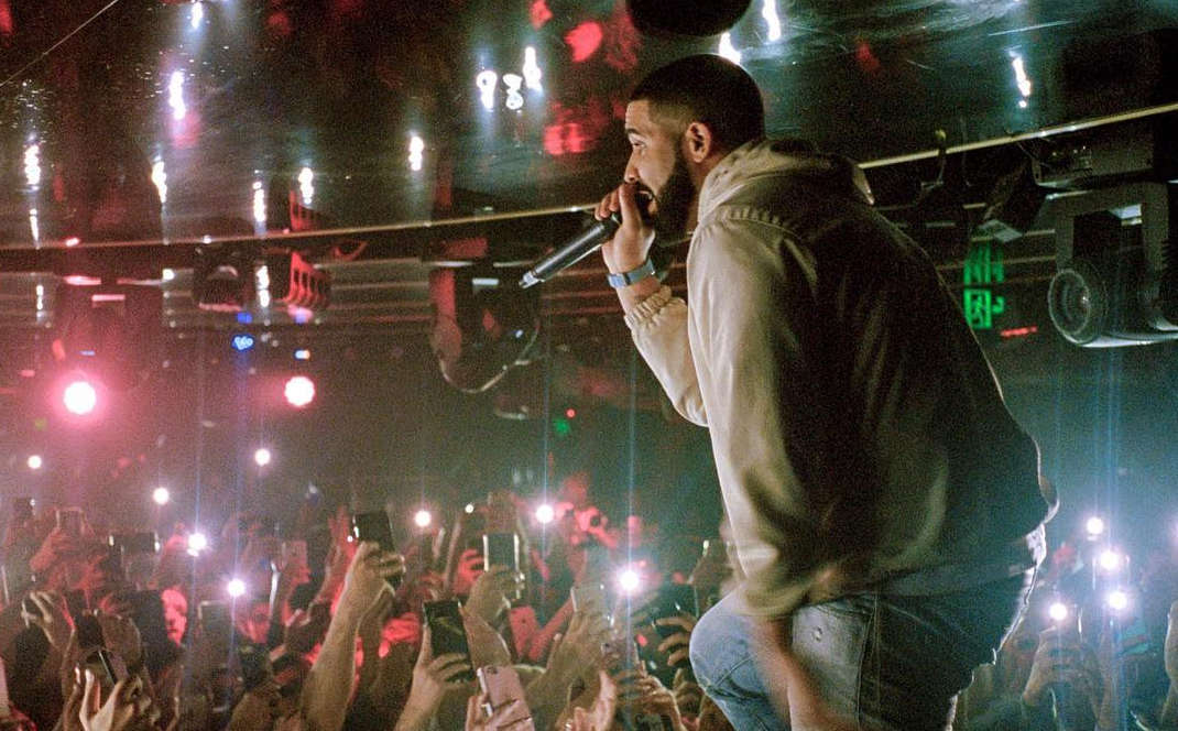 Drake threatens to 'f*** up' fan touching girls in Sydney audience