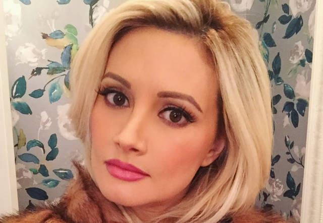 Holly Madison Will Be Single When Her Divorce Finalizes In Two Years