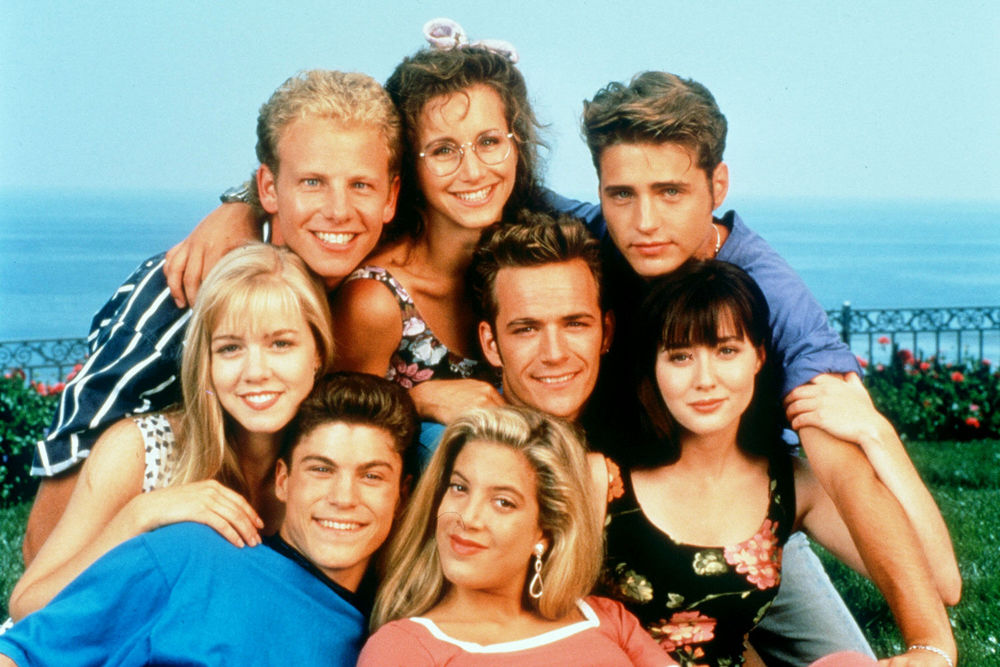 Beverly Hills 90210' is Next 90s Show To Get A 2010s