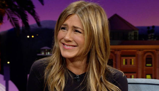 Jennifer Aniston Once Roomed With a Ghost