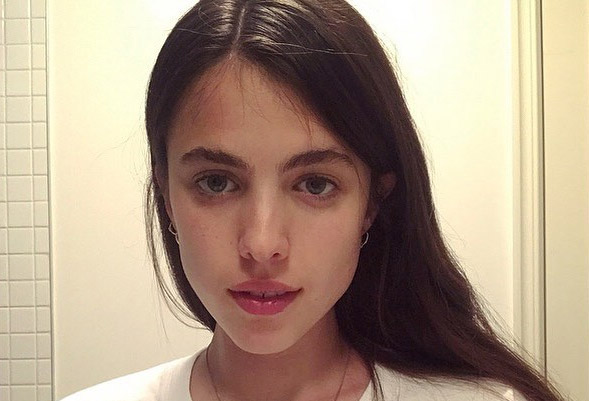 See Pete Davidsons Girlfriend Margaret Qualleys Sexy Instagram